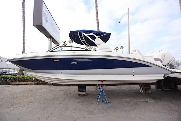 New Sea Ray 290 Sundeck OB290 Sundeck OB Deck Boat For Sale