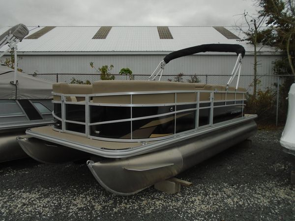New Starcraft LX 20 RLX 20 R Pontoon Boat For Sale