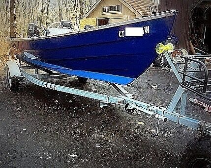 Used Holby Marine 17 Bristol Skiff Fishing Boat For Sale