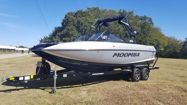 New Moomba MojoMojo Ski and Wakeboard Boat For Sale