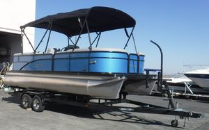 New Manitou Aurora 22 LE RFAurora 22 LE RF Pontoon Boat For Sale
