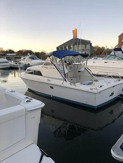 Used Chris-Craft Express Cruiser 25 Express Cruiser Boat For Sale