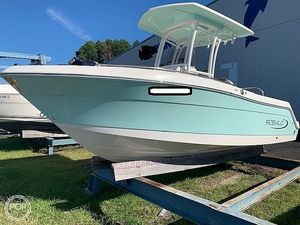 Used Robalo R222 ES Center Console Fishing Boat For Sale