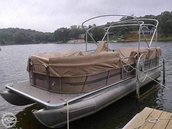 Used Bentley 220 SE Pontoon Boat For Sale