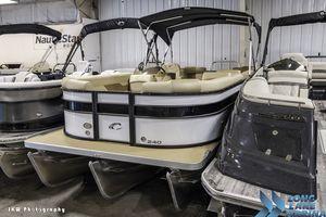 Used Crest II 240 SLCrest II 240 SL Pontoon Boat For Sale