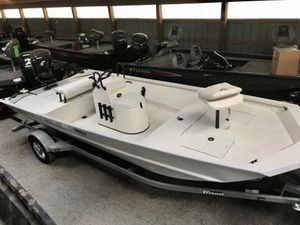 New Triton Boats 1862 CC Bay Center Console Fishing Boat For Sale