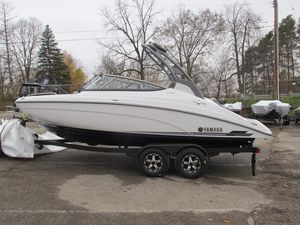 New Yamaha Boats 212S212S Bowrider Boat For Sale