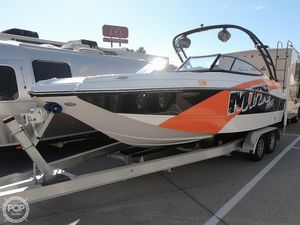 Used Rinker Captiva 220 MTX Ski and Wakeboard Boat For Sale