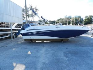 New Hurricane 218218 Deck Boat For Sale