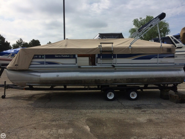 Used Harris Flotebote Classic 240 Pontoon Boat For Sale