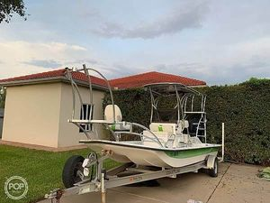 Used Shallow Stalker Cat 204 Flats Fishing Boat For Sale