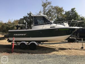 Used Trophy Pro 2052 WA Walkaround Fishing Boat For Sale