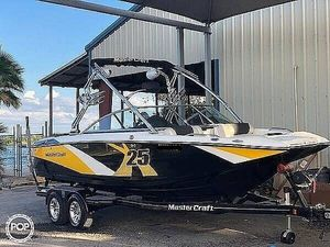 Used Mastercraft X25 Ski and Wakeboard Boat For Sale