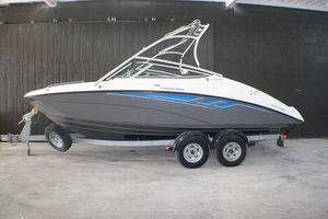 Used Yamaha AR 210 Runabout Boat For Sale