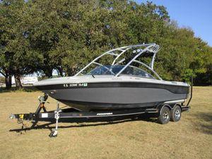 Used Moomba XLVXLV Ski and Wakeboard Boat For Sale