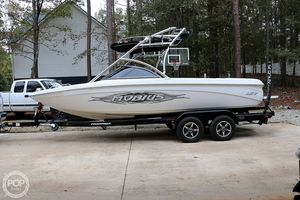 Used Moomba Mobius LSV 23 Ski and Wakeboard Boat For Sale