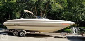Used Larson 268 LXI Bowrider Boat For Sale