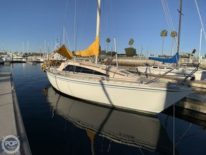 Used Yamaha 30 Racer and Cruiser Sailboat For Sale