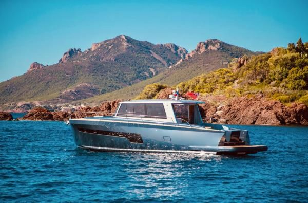 New Alen 56 Motor Yacht For Sale