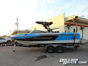 Used Supreme S238S238 Ski and Wakeboard Boat For Sale