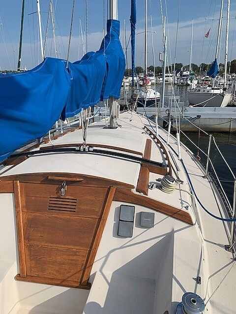Used Catalina Tall Rig Sloop Sailboat For Sale