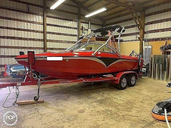 Used Centurion C4 Elite Ski and Wakeboard Boat For Sale