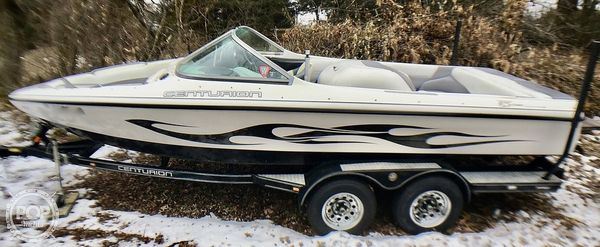 Used Centurion T5 Competition Ski and Wakeboard Boat For Sale