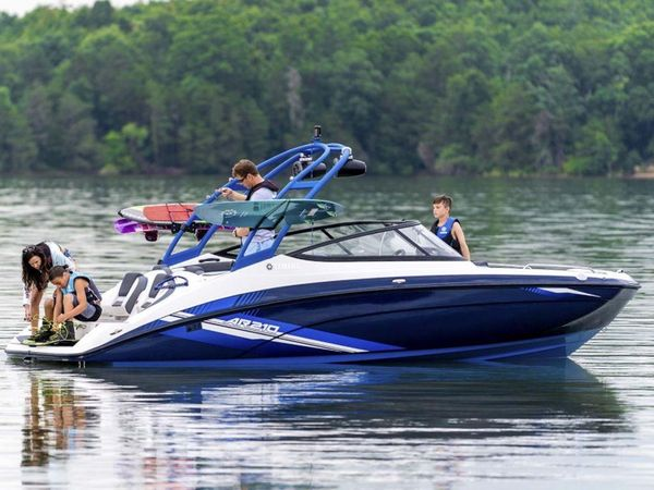 New Yamaha Boats AR210AR210 Ski and Wakeboard Boat For Sale