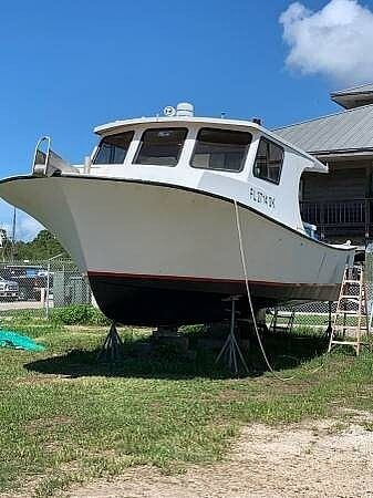 Used Buzkens Of Florida 33 Combination Carrier Boat For Sale