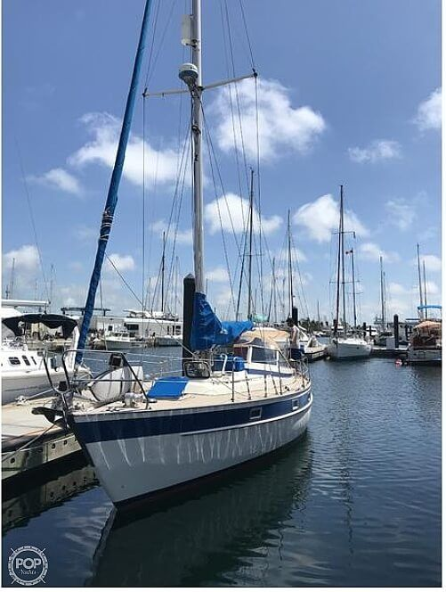Used Hallberg-Rassy 352 Racer and Cruiser Sailboat For Sale