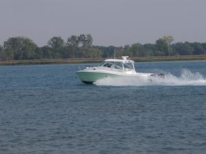 Used Catamaran Center Console Fishing Boat For Sale