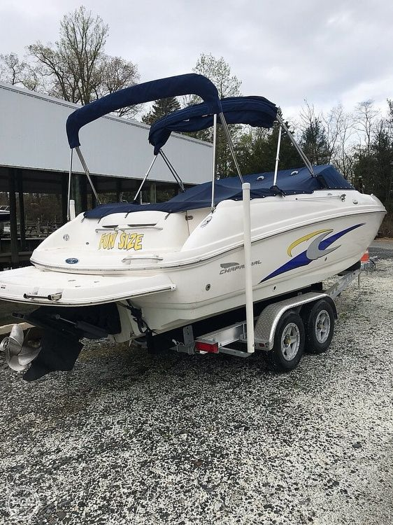 Used Chaparral 235 SSI Express Cruiser Boat For Sale