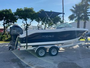Used Robalo R207 Dual ConsoleR207 Dual Console Dual Console Boat For Sale