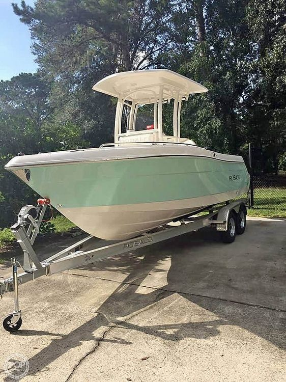 Used Robalo 222ES Center Console Fishing Boat For Sale