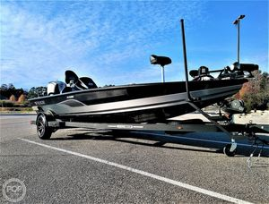 Used Vexus Avx1980 Bass Boat For Sale