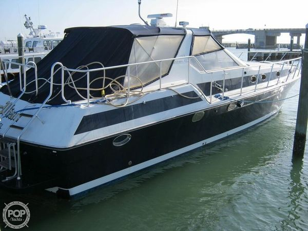 Used Maiora 55 Express Cruiser Boat For Sale