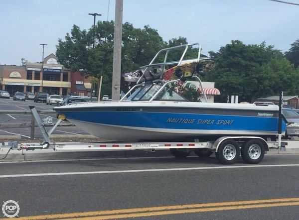 Used Nautique 21 Super Sport Ski and Wakeboard Boat For Sale