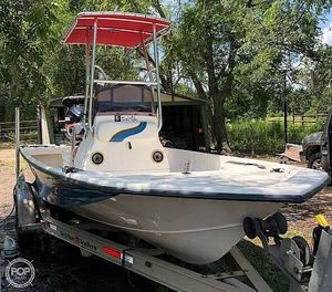 Used Blue Wave 220 Super Tunnel Bay Boat For Sale