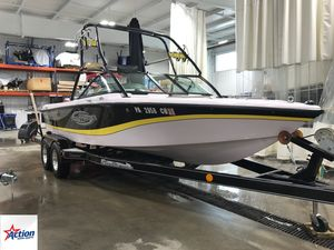 Used Correct Craft Nautique 216Nautique 216 Ski and Wakeboard Boat For Sale