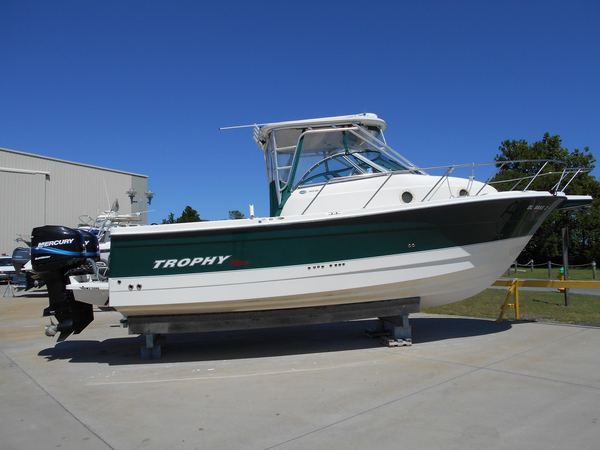 Used Trophy 2902 Walkaround Cruiser Boat For Sale