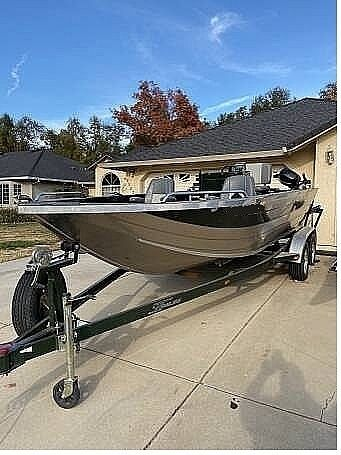 2005 Used Custom Weld Cobra Aluminum Fishing Boat For Sale