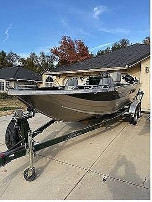 Used Custom Weld Cobra Aluminum Fishing Boat For Sale