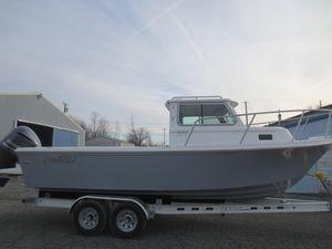 Used Parker 2320 SL Sport Cabin2320 SL Sport Cabin Freshwater Fishing Boat For Sale