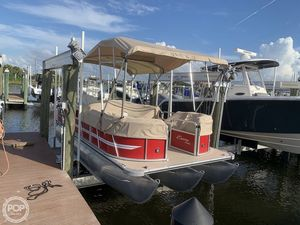 Used Encore Boat Builders Bentley 203 Cruise Pontoon Boat For Sale