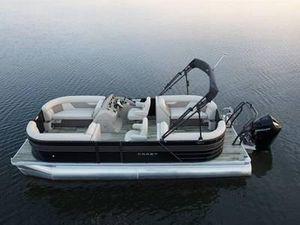 New Crest Classic DLX 240 SLCClassic DLX 240 SLC Pontoon Boat For Sale