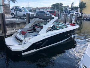 New Cruisers Yachts Bowrider 328 Black Diamond Edition Cruiser Boat For Sale