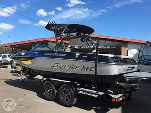 Used Centurion Supreme S21 Ski and Wakeboard Boat For Sale