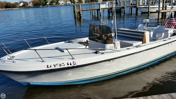 Used Mako 26 Center Console Fishing Boat For Sale