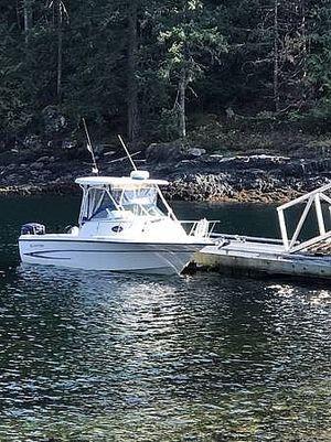 Used Glastron 233WA Walkaround Fishing Boat For Sale