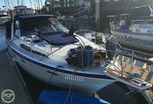 Used Bayliner 3450 Avanti Sunbridge Express Cruiser Boat For Sale